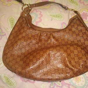 Gucci hobo brown  leather bag. like new